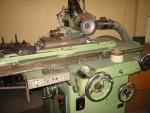Profile grinding machine